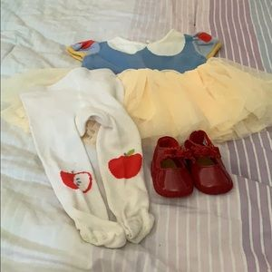Snow White dress with tights and shoes